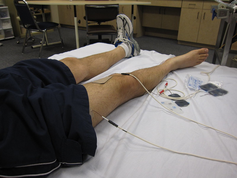 Quadriceps electrical stimulation